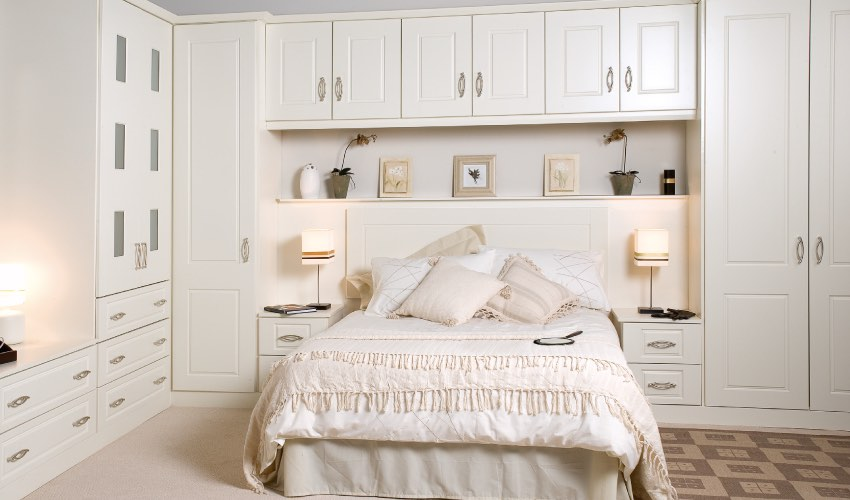 Fitted bedrooms Shaw | Cashel Ivory Range
